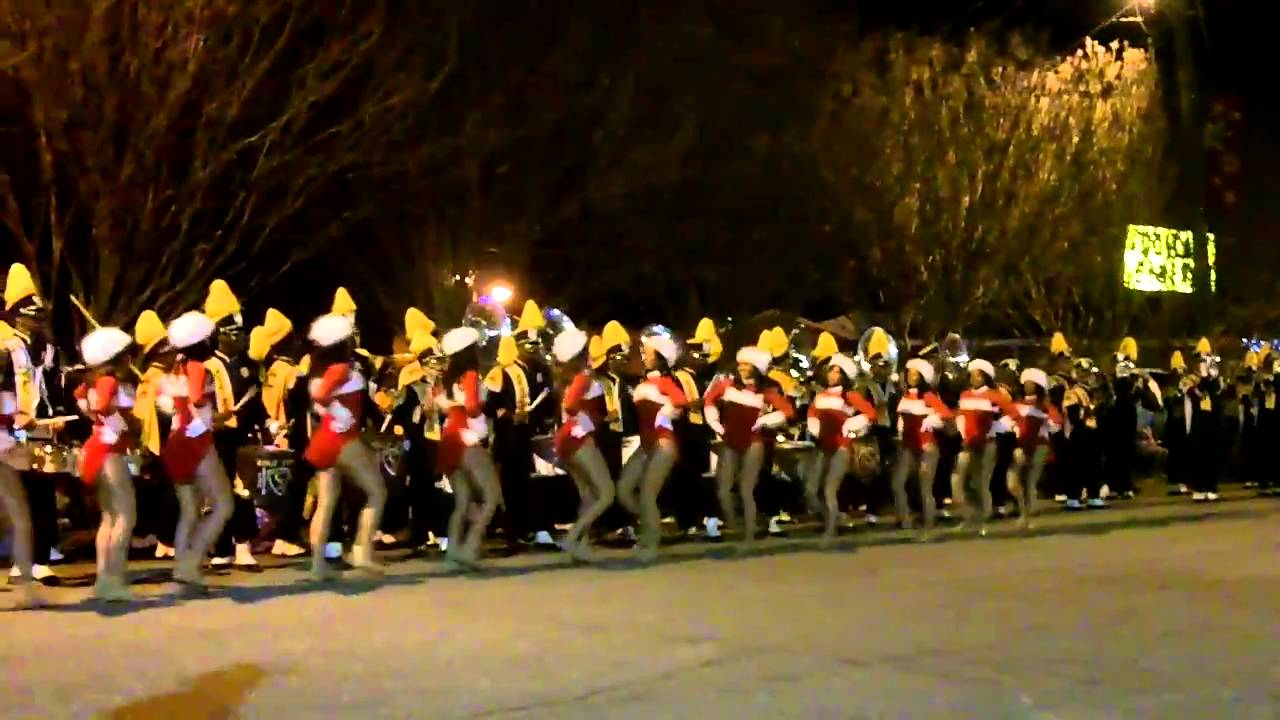 NC A&T Marching Band at the 2010 Mebane Christmas Parade - YouTube