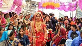 -jaymala-ceremony-gautam-weds-reena-uttarakhandi-tradtional-marriage-ceremony-jaymala