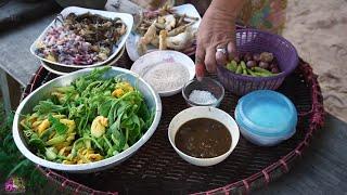 อ่อมกบ ฮักอีสาน hug isan ban hao cooking in my village