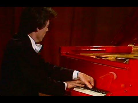 Stanislav Igolinsky plays Rachmaninoff Etude op. 33 no. 6 - video
