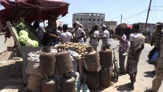 الحياة تعود الى طبيعتها في مدينة المخا الساحلية اليمنية