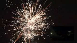 Vuurwerk Ede-Zuid 2012-2013 (o.a. 3 x Triplex blok en combinatie cakes)