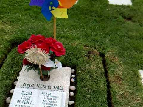 Recinto de la paz youtube for Horario cementerio jardines de paz