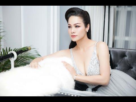 Nhật Kim Anh khoe ngực với đầm xẻ sâu tại sự kiện(Tin tức Sao Việt)
