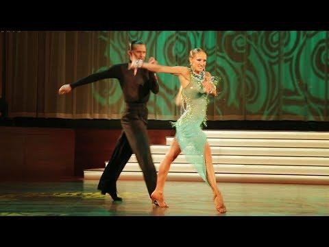 Pavel Zvychaynyy - Oxana Lebedew | Welttanz-Gala Baden Baden 2017 - Samba Show