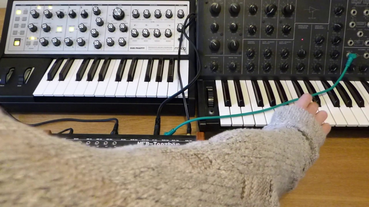 Moog Sub 37 + Slim Phatty Polychain: Chords & Sequence - YouTube