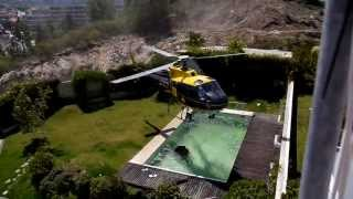 Video Amazing helicopter pilot taking water from swimming pool download MP3, 3GP, MP4, WEBM, AVI, FLV Mei 2018