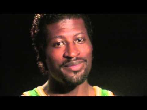 Throwback Thursday] Michael Cage, le rebond et le style