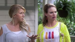 Jodie Sweetin and Andrea Barber Chat 'Fuller House' Season 2