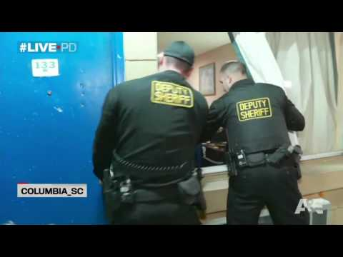 """Live PD"" Suspect in Handcuffs runs from police & jumps through window Part 1"