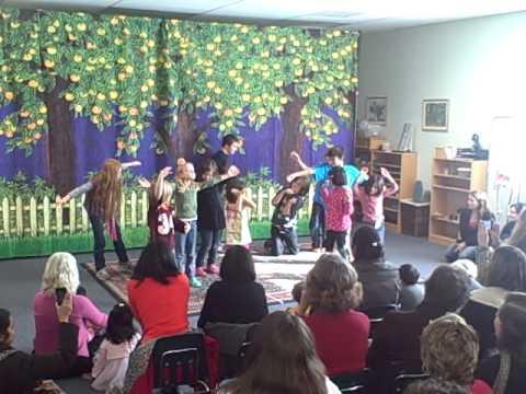 Odyssey Montessori - Drama performance - Magic Grow Beans
