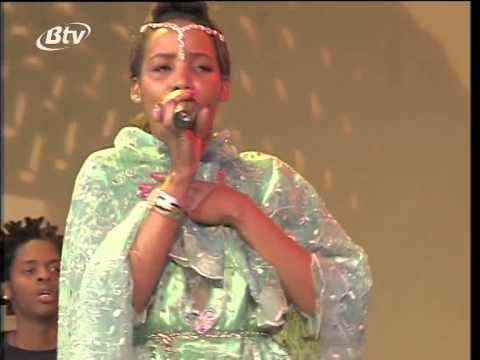 Crowd Capella - Thando lwakho ft Shari (BTV-Flavadome performance 07/2014)