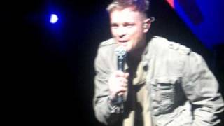 Westlife Nicky reading banners Dublin 8 April