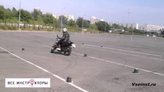 Категория А   Слалом одной рукой. crazy moto. 疯狂的摩托(, 2015-07-27T15:26:20.000Z)