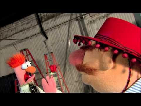 The Muppets Doing The Best Mi Mi Miiiii Miiiii Ever!