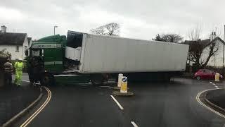 HGV roundabout Fail
