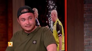 Rapper Donnie ziet dartcarièrre wel zitten - RTL BOULEVARD