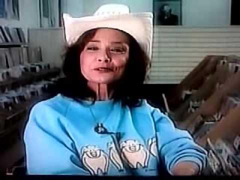 LORETTA LYNN talking about PATSY CLINE