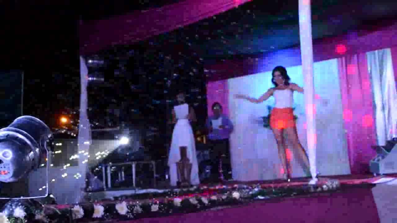Desfile con ropa de D\'Paris Vestidos de Fiesta - YouTube