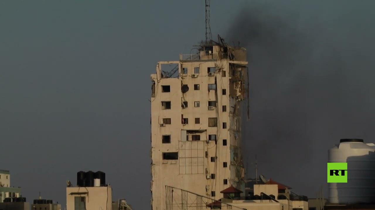 لحظة انهيار برج الشروق في غزة بعد استهدافه بمقاتلات إسرائيلية  - نشر قبل 3 ساعة
