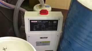 Производство ведра(Термопластавтомат Cosmos в работе. Производство ведра объемом 3 литра на литьевой машине Cosmos TTI-190F2v. Пресс-форм..., 2015-04-16T16:03:23.000Z)