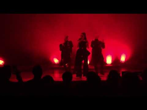 Banks - Underdog live at Ace Theater LA