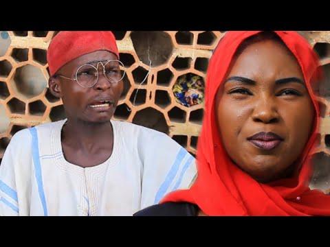 Download (Musha Dariya) Dan Kauye a Birni Kalli Kaci Dariya (Arewa Comedian)