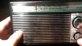 Panasonic RF-562 Three Band Radio