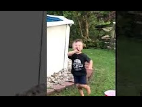 Kid Running Funny Meme : Kid running with knife trap remix youtube