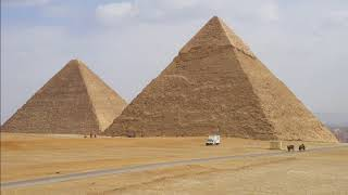 エジプト ギーザ ピラミッド