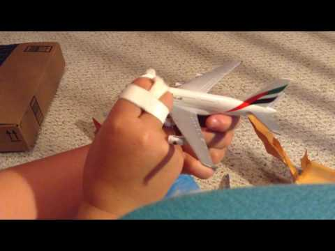 DOUBLE UNBOXING: Emirates A380 plane  and JetBlue plane with the US airways play set from Amazon