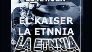 La Etnnia - 16. Vengo - La Voz de la Calle (2011)