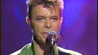 David Bowie – Always Crashing In The Same Car (Live GQ Awards 1997)