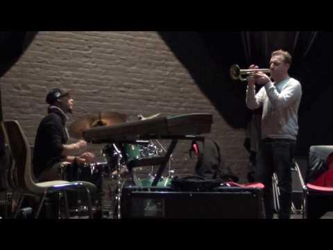 (2g) Dominic Ntoumos & Russell Gunn - 2016-10-31