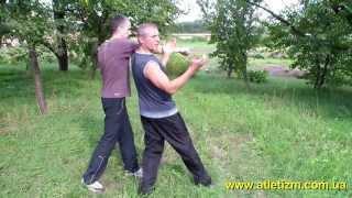 Уроки самообороны: уход от удара. Драка. Как научиться драться(У нас Вы можете заказать индивидуальную (персональную) программу тренировок по интернету: http://atletizm.com.ua/personal..., 2012-09-16T16:25:10.000Z)