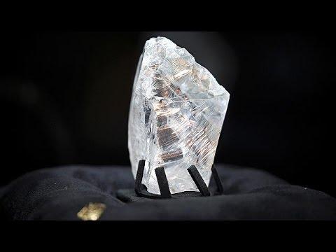 le diamant le plus cher au monde a trouv preneur youtube. Black Bedroom Furniture Sets. Home Design Ideas