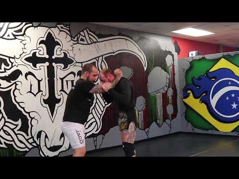 Iron Tiger Muay Thai: KILLER Sweep For Muay Thai / MMA
