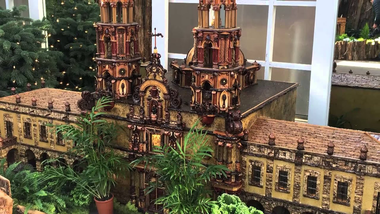 Local News Now Update - Frederik Meijer Gardens Christmas - YouTube