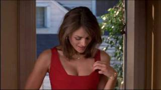Elizabeth Hurley's perfect cleavage - My Favorite Martian