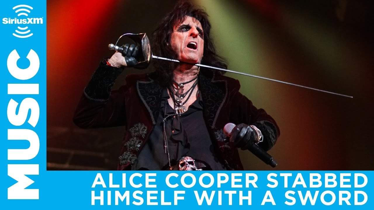 Alice Cooper Nearly Accidentally Killed Himself On Stage in 1988