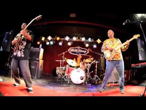 Meter Men- Pungee - Handclapping Song (BB King's- Halloween 2012 Set 2) mp3