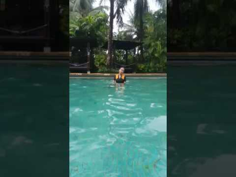 Swimming di waterboom pik jakarta