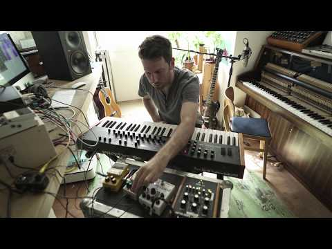 Rival Consoles - In The Studio
