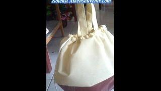 Cara membuat tas dari bahan furing / spunbon untuk hajatan, ulang tahun dan berbagai acara whatsapp : 085334 158713 saya video ini dengan editor vide...