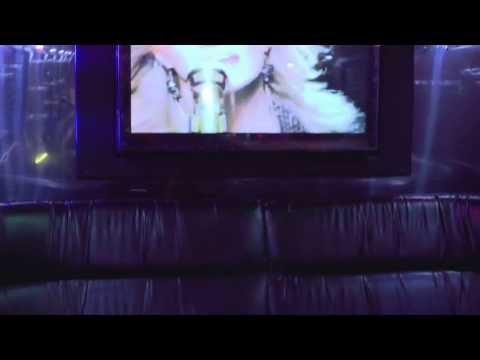 Regina Party bus, Club Limo-Arctic Ice Limousine