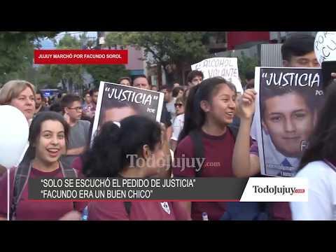 Marcharon por calles céntricas pidiendo justicia por la muerte del estudiante