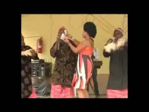 Download Dede One Day and Chinwetalu Agu hit the dance floor