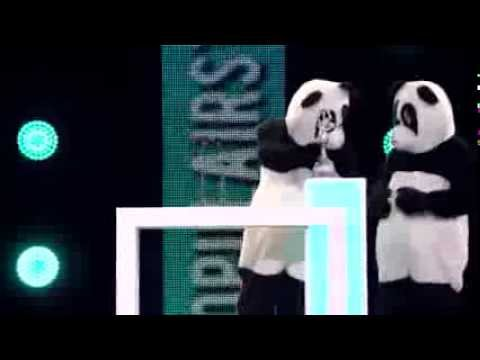 Bart De Wever Valt Van Podium In Panda Kostuum Youtube