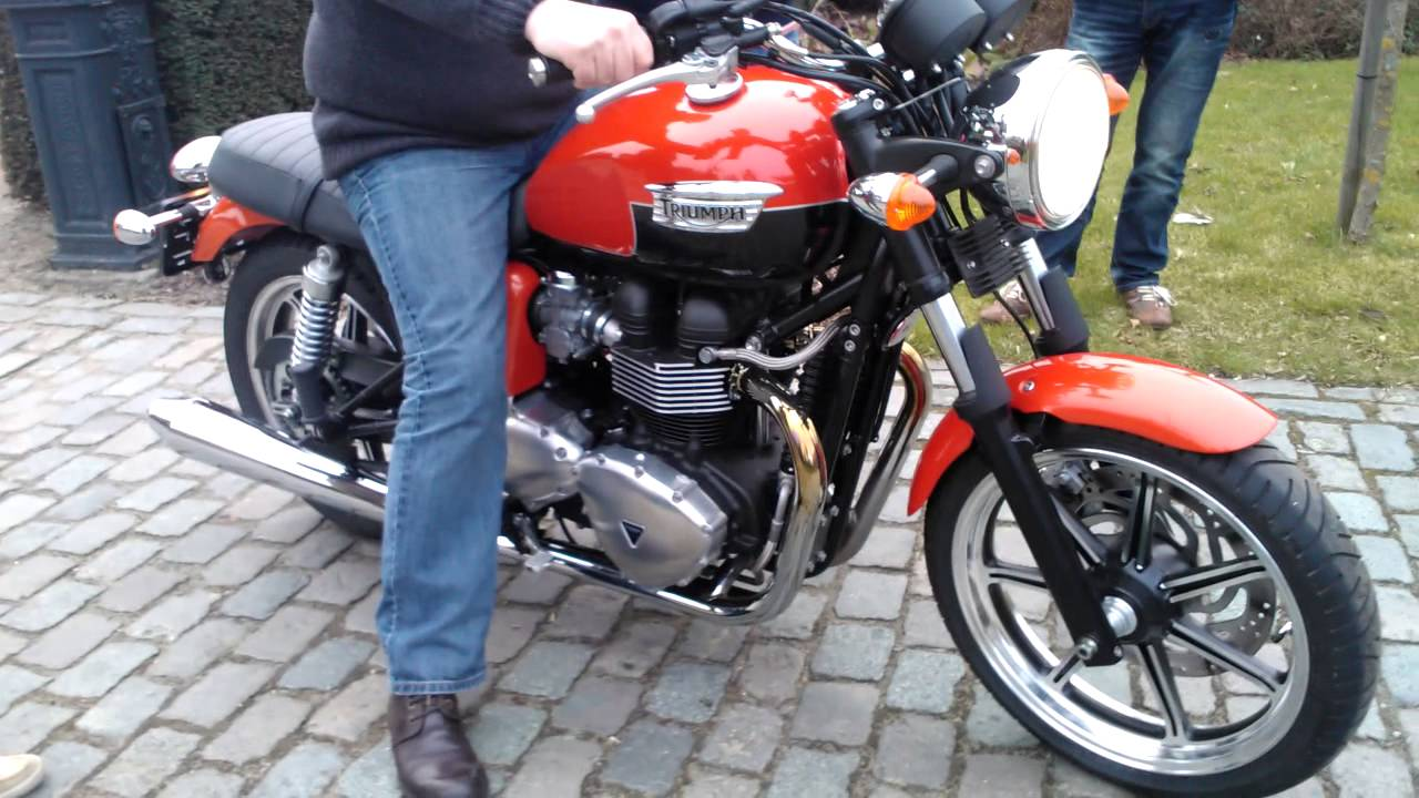 Triumph Bonneville se 2013 sound - YouTube