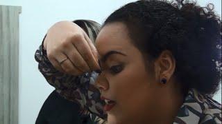 Expressão Feminina: Aprenda como aplicar os cílios postiços com a make up Iara Rodrigues.